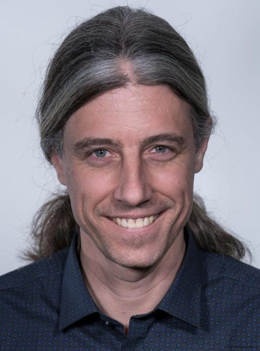 Prof. Nico Bruns